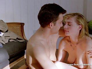 Anna scopa con i giocattoli del sesso in entrambi massaggi sensuali erotici i fori
