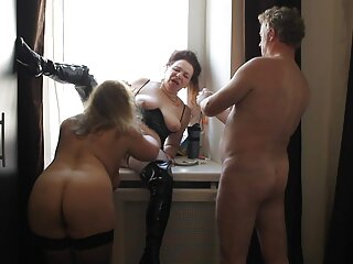 Molly ha sesso con un porno con massaggio