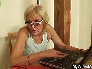 La donna vagò per la spiaggia selvaggia con il suo amante e cominciò a sedurlo massaggi sexy porno