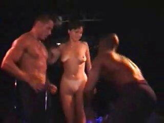 Appassionato Carla ha un cazzo video di massaggi porno nero in un pisque bianco