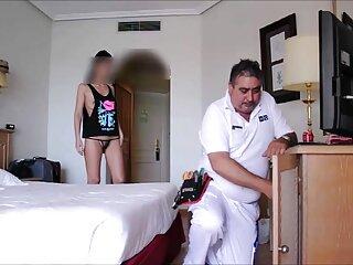 Il diavolo ha dello sperma sul massaggio erotico porno viso.