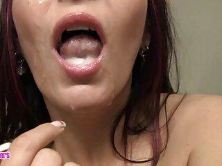 Bella matura milfa in calze di nylon pone per la rivista erotica porno massaggi gratis