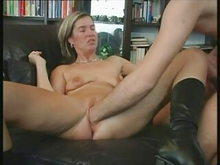Porno gay: un uomo scopata un massaggi ard ragazzo nel bosco