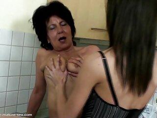 La ragazza bianca prende il più grande massaggiatrice nuda pene della sua vita