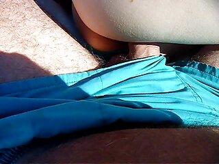La lesbica era appesa alle video massaggio erotico corde e il suo clitoride era tagliato
