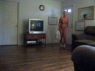 Potente uomo mascherato beccare slim Theodore in un tizd film massaggi porno