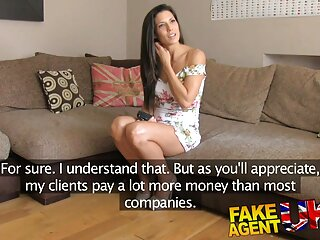 Ho messo una ragazza in una strada e anale video di massaggi erotici hit-and-run per soldi.