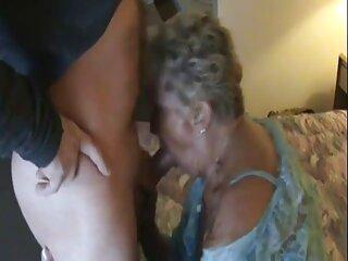 Bionda in calze video massaggi porno sexy accarezza aras delle sue dita