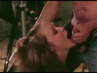Musicista Guglie con procace bionda in auto film massaggi porno