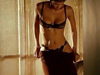 Un massaggi erotici film ragazzo in forma ha tirato fuori una giocosa ragazza di 18 anni