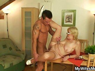 Stepson handles matrigna mentre father baths in video massaggi cinesi porno Tub