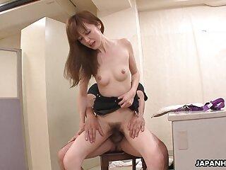 Bella bionda blackite video massaggi erotici amatoriali succhia il pene regolarmente