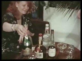 Glamour bionda massaggi porno gratis ostenta il suo grande mungitura