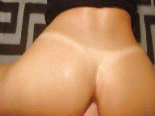 Skinny ragazza si masturba il film porno massaggi italiani coperchio e cums