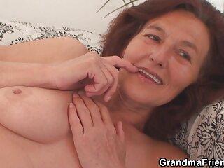 Chloe, 18 anni, succhia abilmente il pene massaggi hard video nero del suo amante